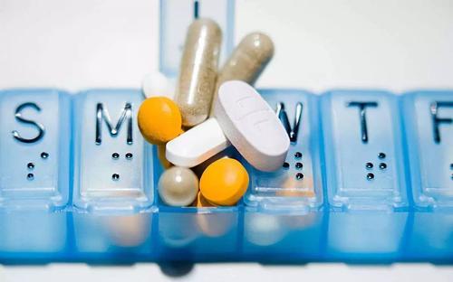 需睡前服用的药物